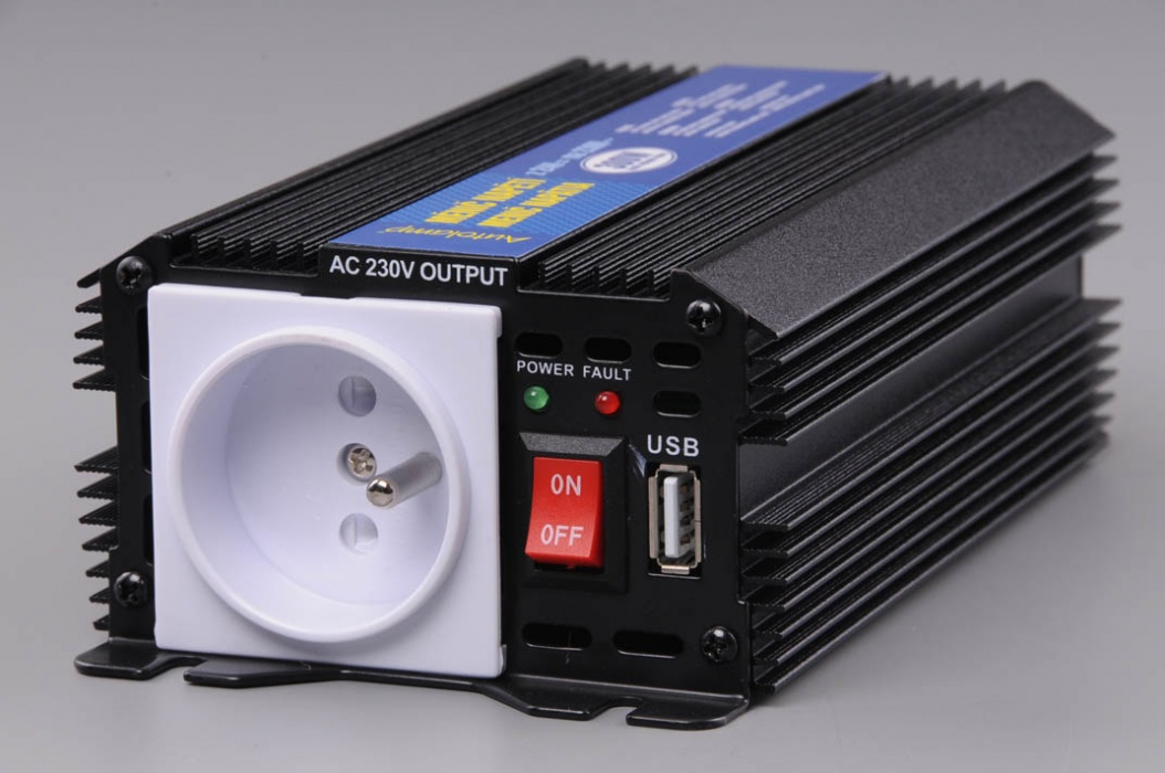 d5a0af315d303 Menič napätia z 24V na 230V výkon 300W trvale (max. 600W) + USB výstup 5V